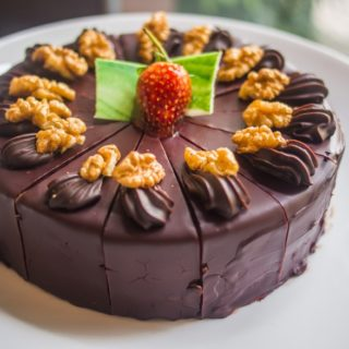 Keva - Recipes - Cake - Chocolate Walnut Cake