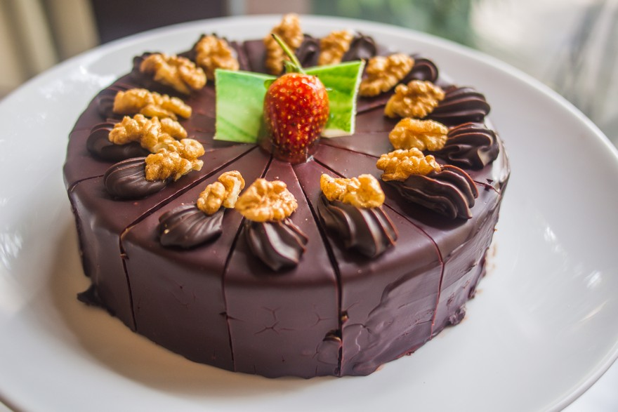 Keva - Recipes - Cake - Chocolate Walnut Cake