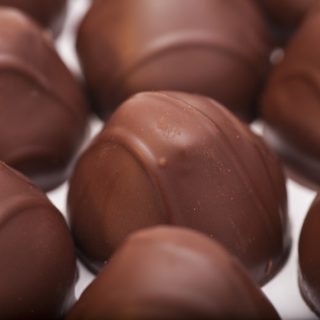 Keva - Recipes - Chocolates - Strawberry Chocolate