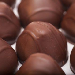 Keva - Recipes - Chocolates - Strawberry Chocolate
